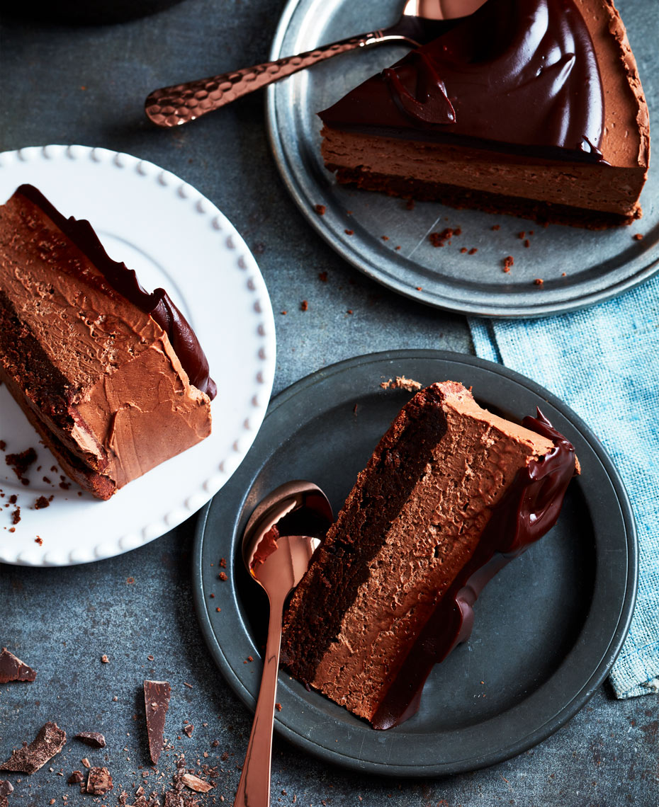 ChocolateMousseCakeSliced_02_REV
